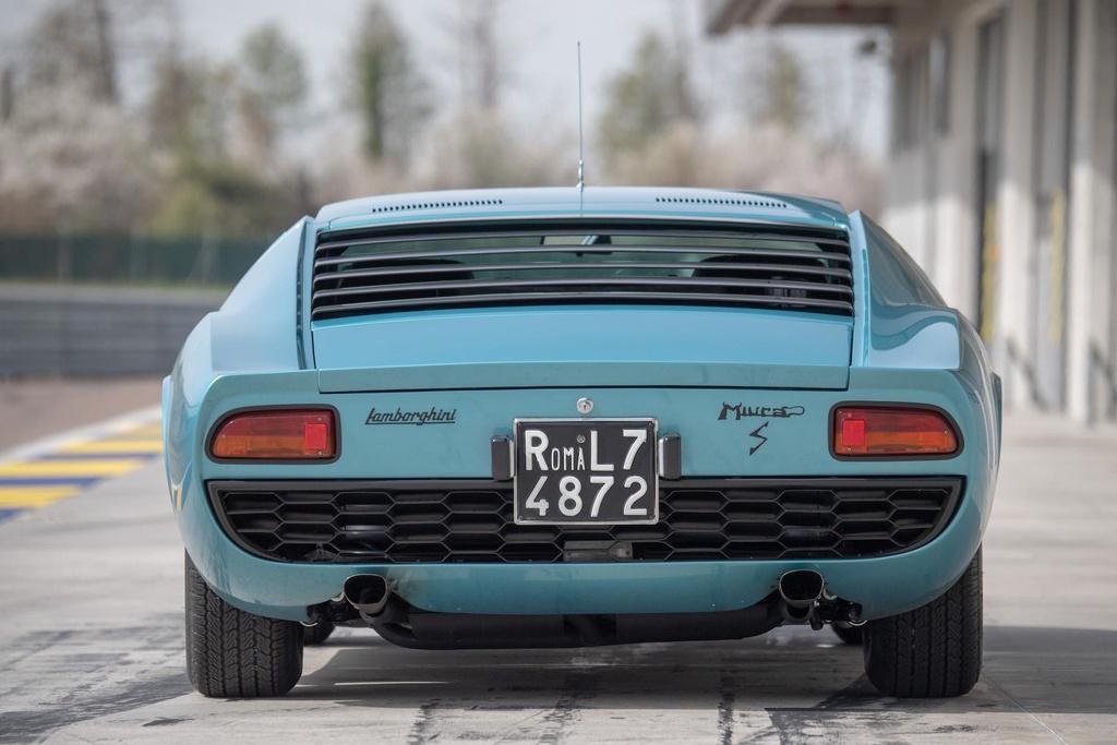 Sieu xe Lamborghini Miura doi 1971 hoi sinh nhu moi hinh anh 3