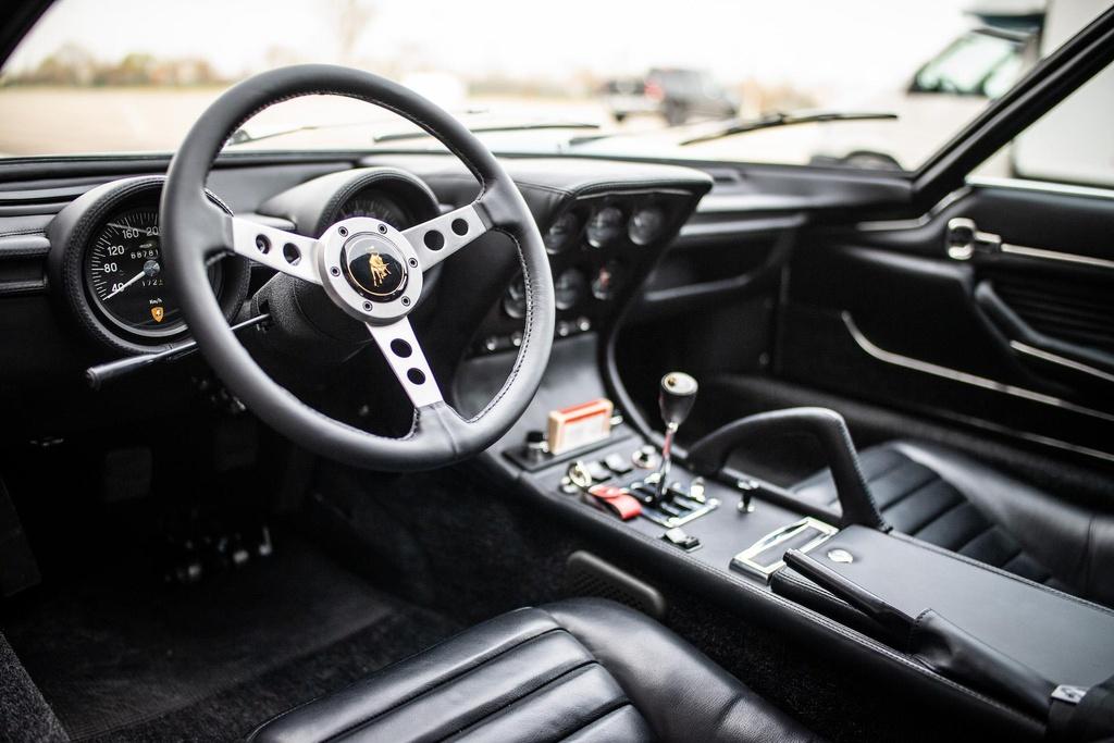 Sieu xe Lamborghini Miura doi 1971 hoi sinh nhu moi hinh anh 5