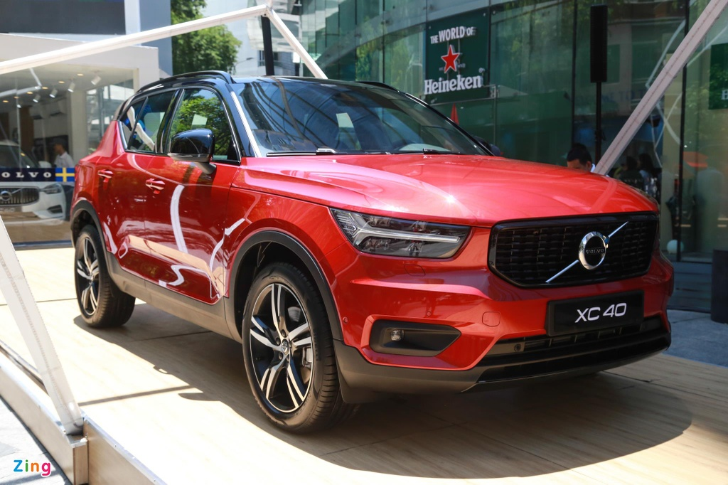 Chi tiet Volvo XC40 gia 1,75 ty dong, canh tranh Mercedes-Benz GLA hinh anh 1