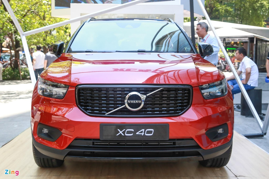 Chi tiet Volvo XC40 gia 1,75 ty dong, canh tranh Mercedes-Benz GLA hinh anh 3