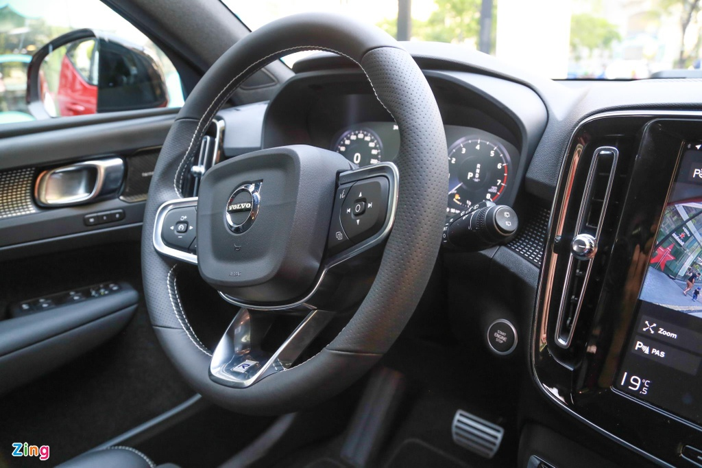 Chi tiet Volvo XC40 gia 1,75 ty dong, canh tranh Mercedes-Benz GLA hinh anh 8