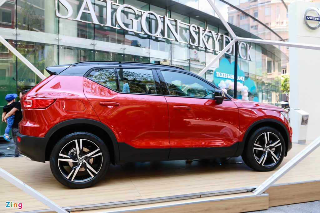 Chi tiet Volvo XC40 gia 1,75 ty dong, canh tranh Mercedes-Benz GLA hinh anh 2