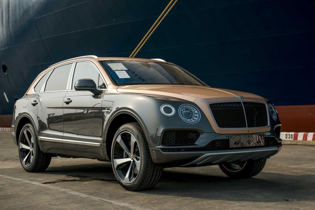 Bentley Bentayga V8 ban ky niem 100 nam anh 3