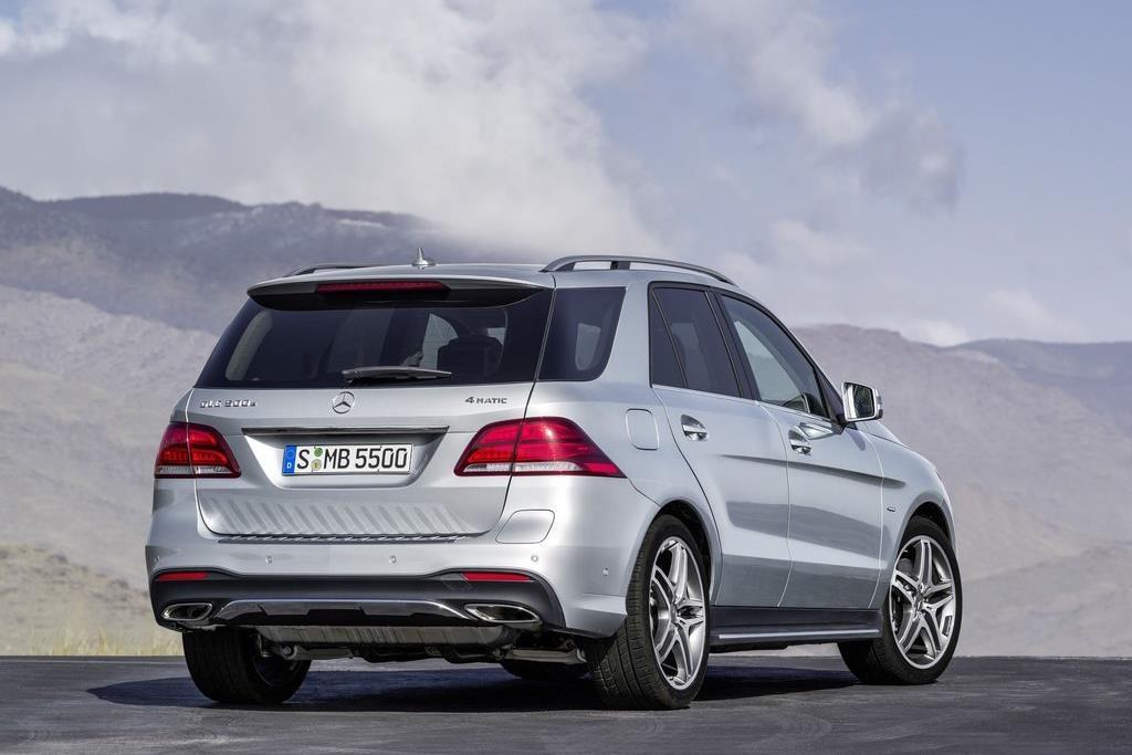 BMW X5 vua ra mat tai VN co gi hon Mercedes-Benz GLE? hinh anh 6