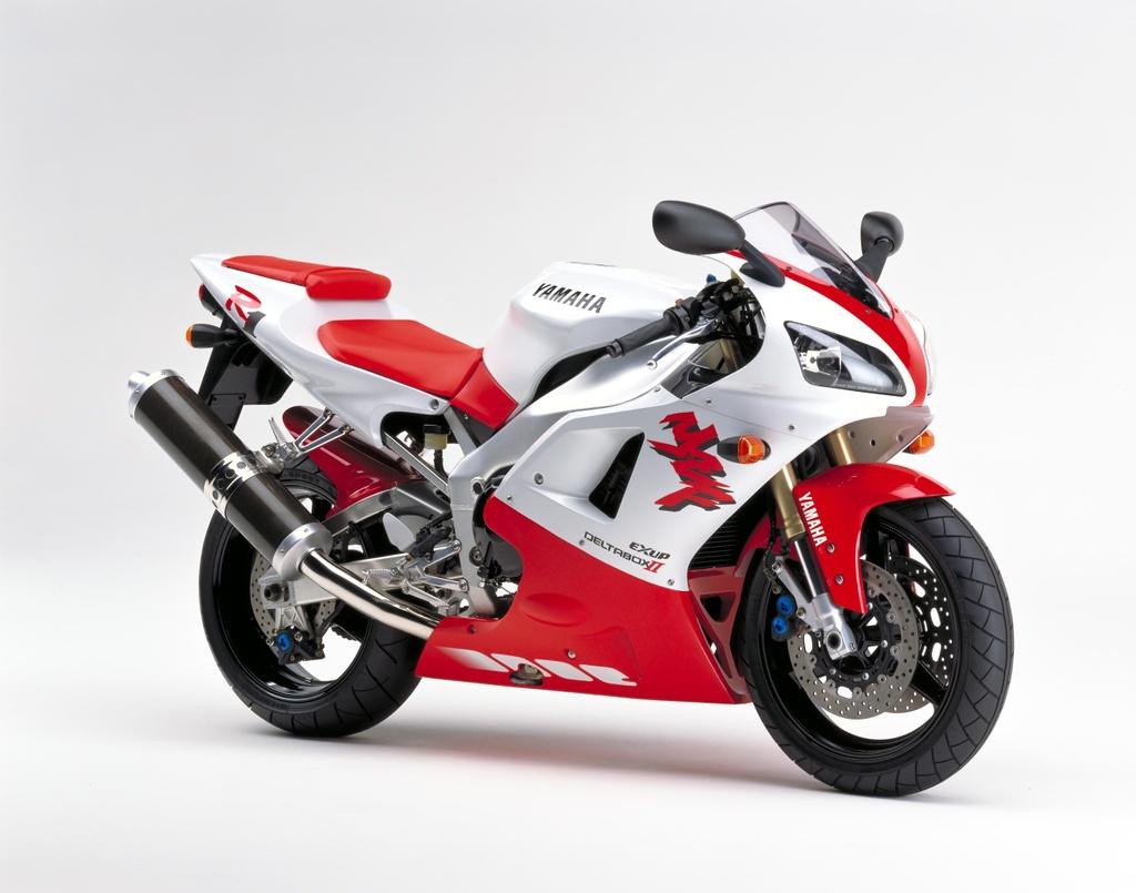 BMW S1000RR, Kawasaki H2 va nhung sieu moto mang tinh bieu tuong hinh anh 3