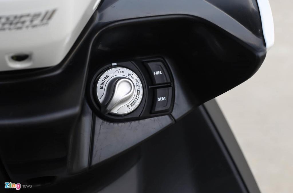 So sanh Honda ADV 150 va Yamaha NVX 155 anh 10