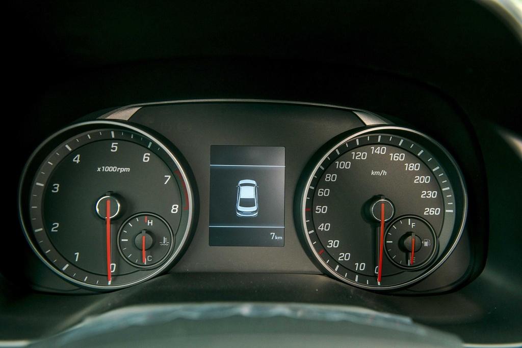 So sanh Honda Civic RS va Hyundai Elantra Sport anh 13