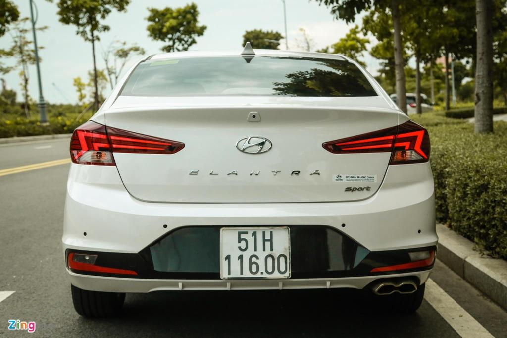So sanh Honda Civic RS va Hyundai Elantra Sport anh 8