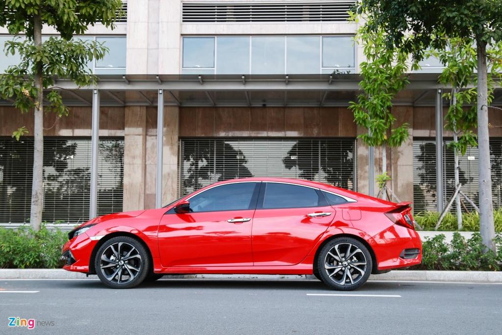 So sanh Honda Civic RS va Hyundai Elantra Sport anh 5