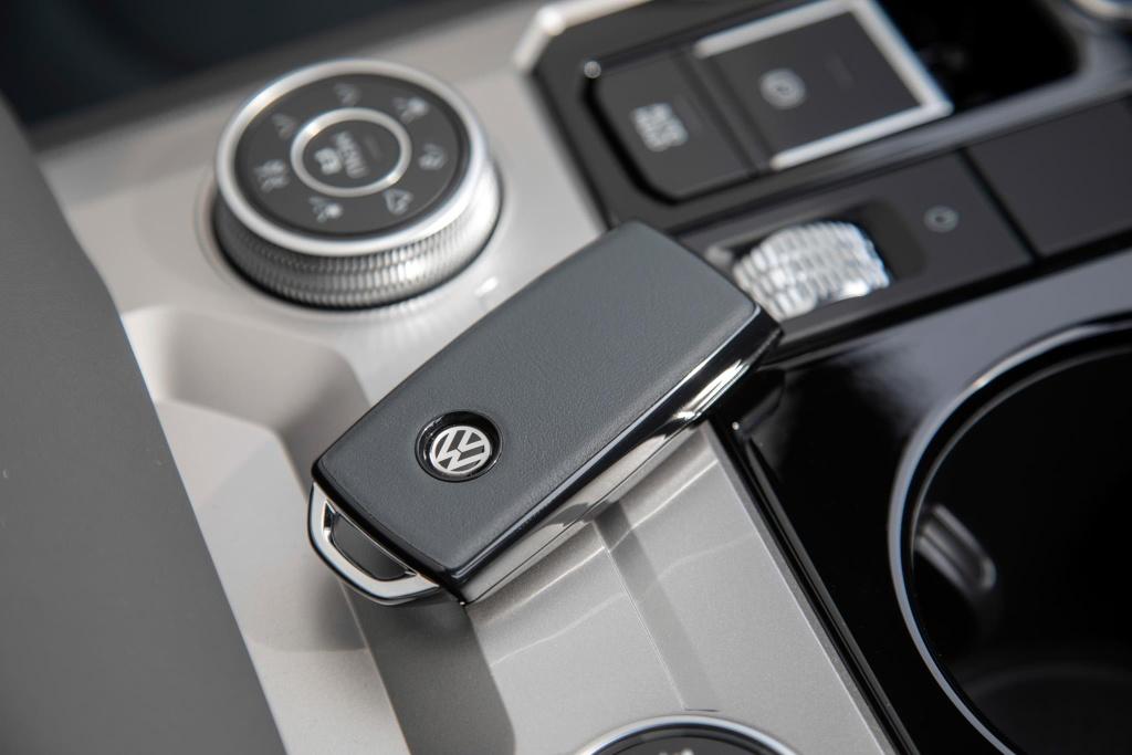 Volkswagen Touareg One Million ra mat, gia hon 90.000 USD hinh anh 7