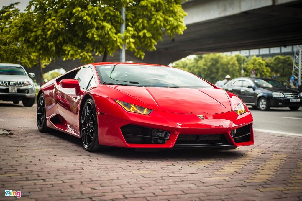 Chi tiet Lamborghini Huracan LP 580-2 chinh hang dau tien o VN anh 3