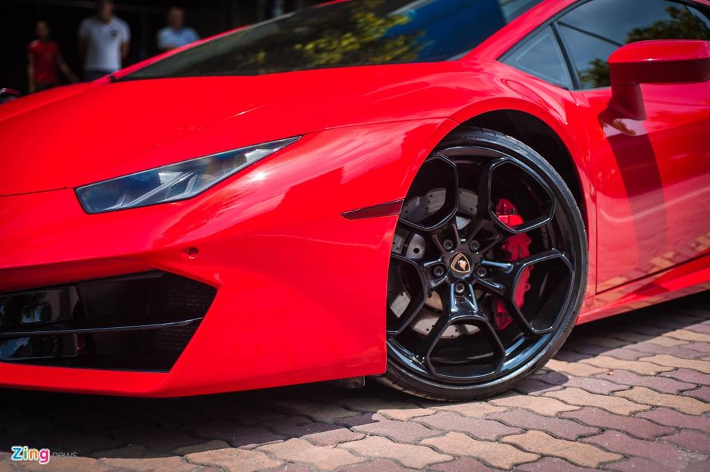 Chi tiet Lamborghini Huracan LP 580-2 chinh hang dau tien o VN anh 5