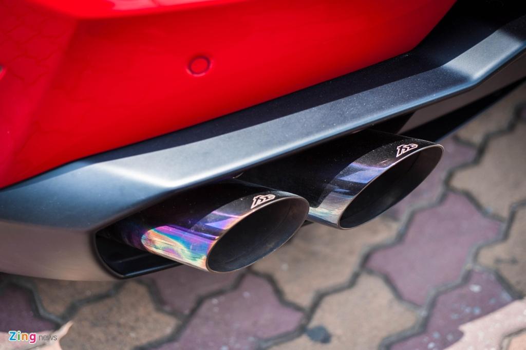 Chi tiet Lamborghini Huracan LP 580-2 chinh hang dau tien o VN anh 7