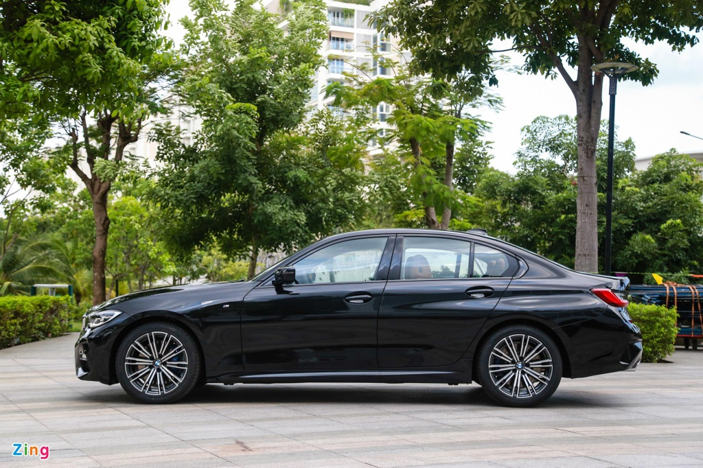 Chi tiet BMW 330i M Sport gia 2, 38 ty tai VN anh 3