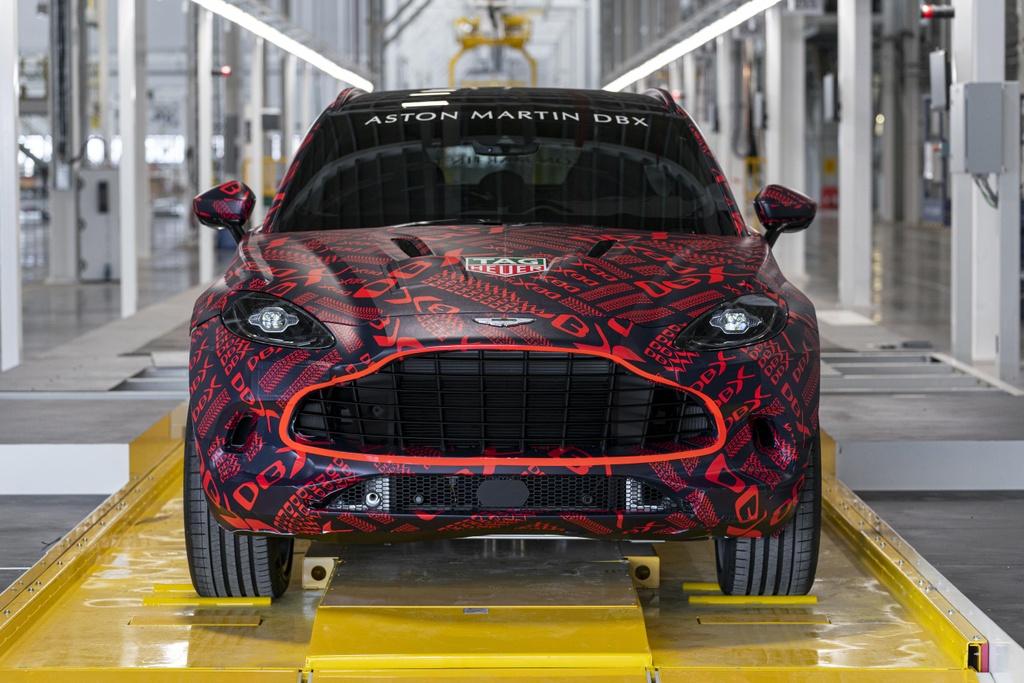 Aston Martin chen chan san xuat SUV, ra mat vao thang 12 hinh anh 2