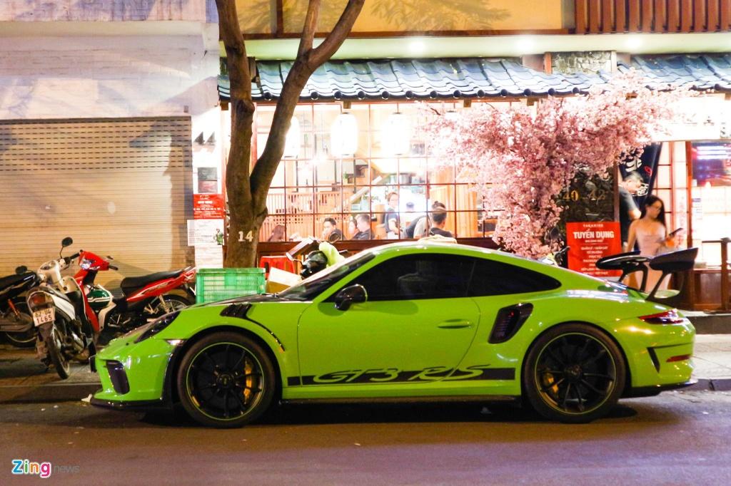 Bo doi Porsche 911 GT3 RS mau doc xuong pho anh 2