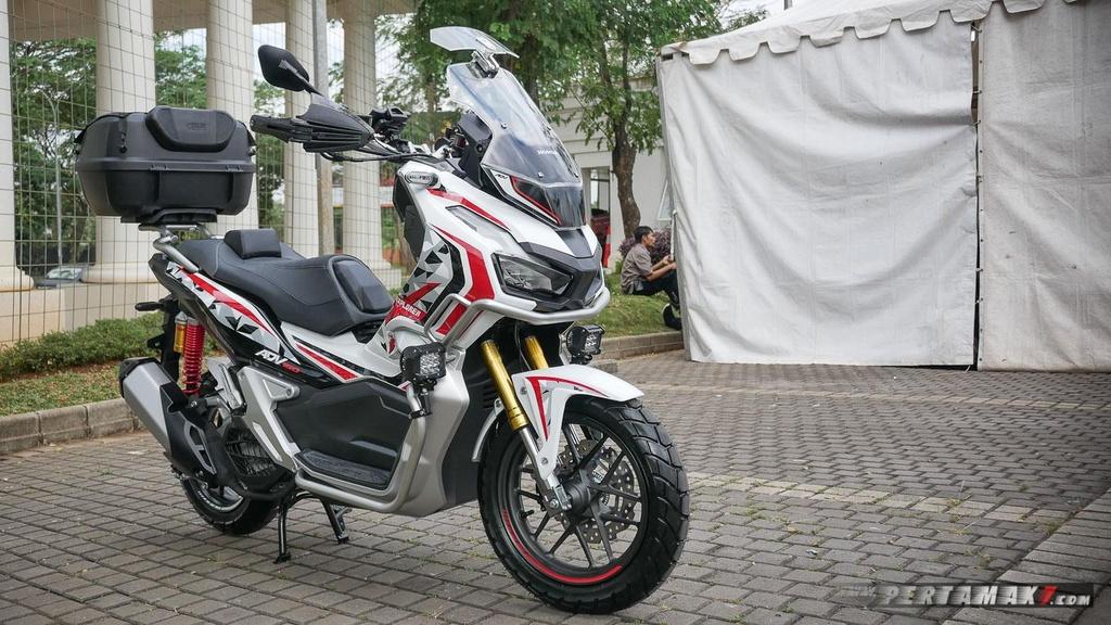 Chiem nguong Honda ADV 150 do theo phong cach Touring hinh anh 10