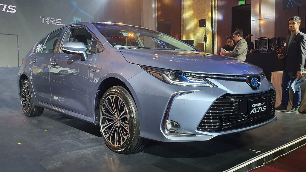 Toyota Corolla Altis 2020 co gi dac biet hon the he cu? anh 3
