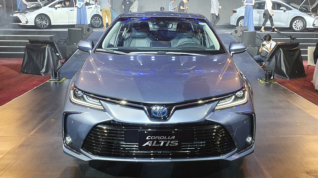 Toyota Corolla Altis 2020 co gi dac biet hon the he cu? anh 1