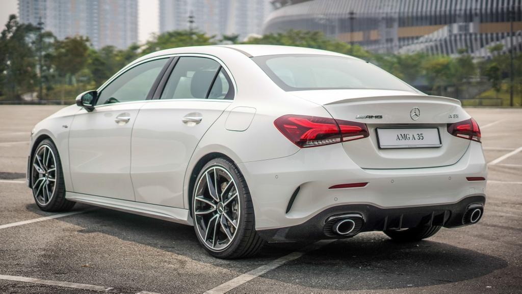 Can canh Mercedes-AMG A 35 sedan vua ra mat DNA, gia hon 83.000 USD hinh anh 5