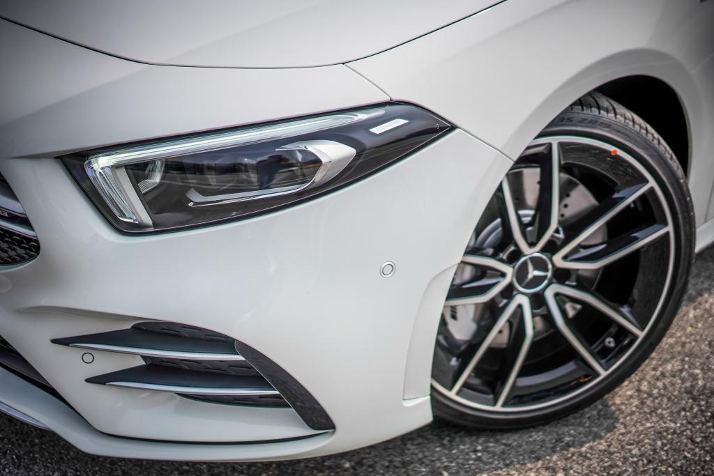 Can canh Mercedes-AMG A 35 sedan vua ra mat DNA, gia hon 83.000 USD hinh anh 8