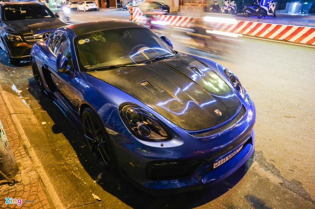 Can canh Porsche Cayman do phong cach xe dua o TP.HCM hinh anh 1