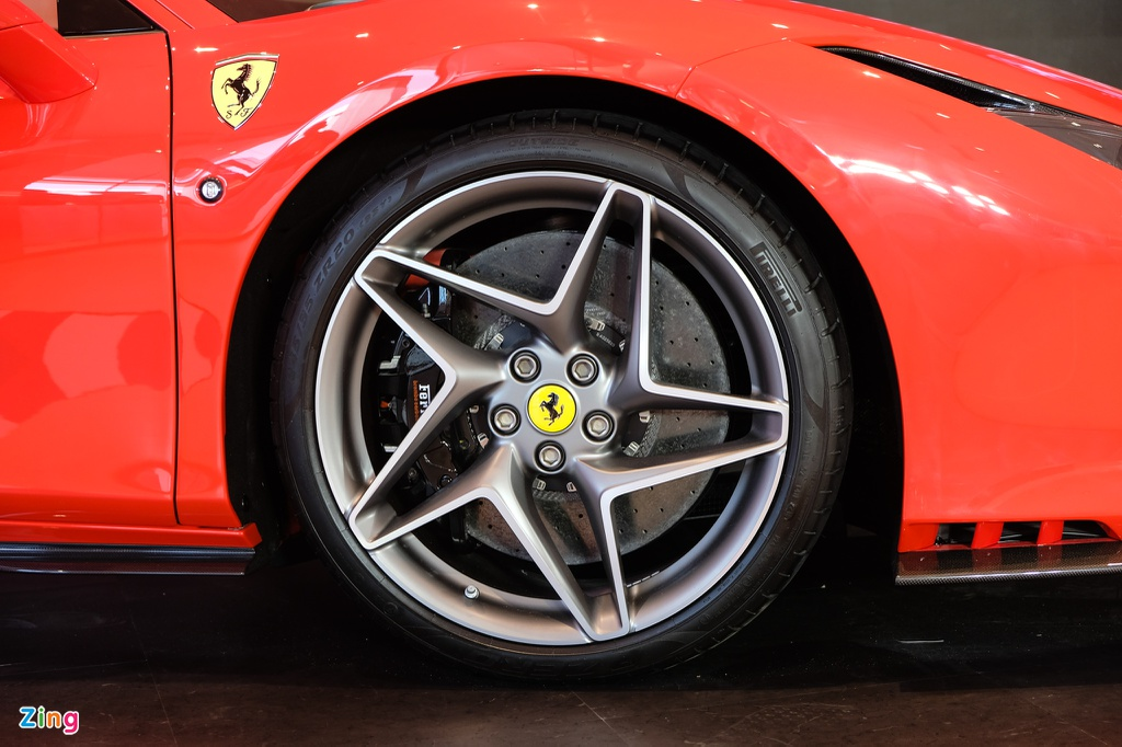 Sieu xe Ferrari F8 Tributo dau tien xuat hien tai Viet Nam hinh anh 7