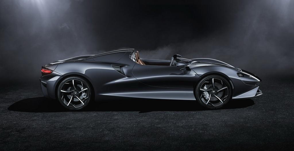 Sieu xe McLaren Elva mui tran khong kinh chan gio anh 2