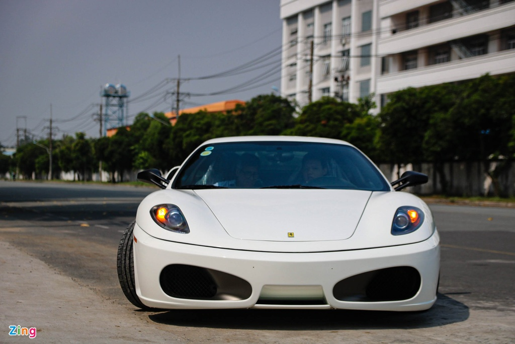 Ferrari F430 tung cua Dang Le Nguyen Vu tai xuat voi ong xa dat tien hinh anh 3
