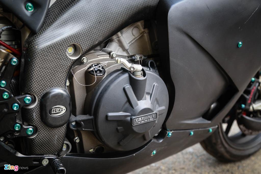Aprilia RSV4 do theo phong cach MotoGP ton 400 trieu hinh anh 13 RSV4_GP_zing_(24).jpg