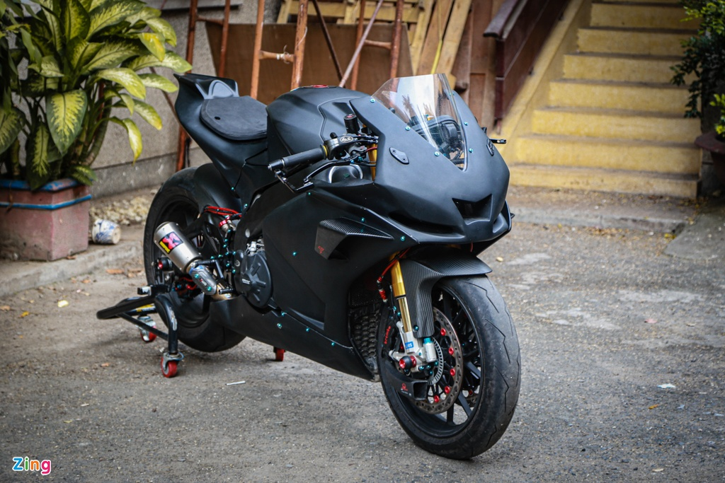 Aprilia RSV4 do theo phong cach MotoGP ton 400 trieu hinh anh 14 RSV4_GP_zing_(4).jpg