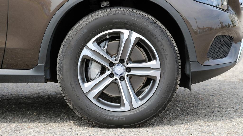 Mercedes GLC 300 2020 moi ra mat khac gi so voi the he cu? hinh anh 12 2016_mercedes_benz_glc300_4matic_review_15_.jpg