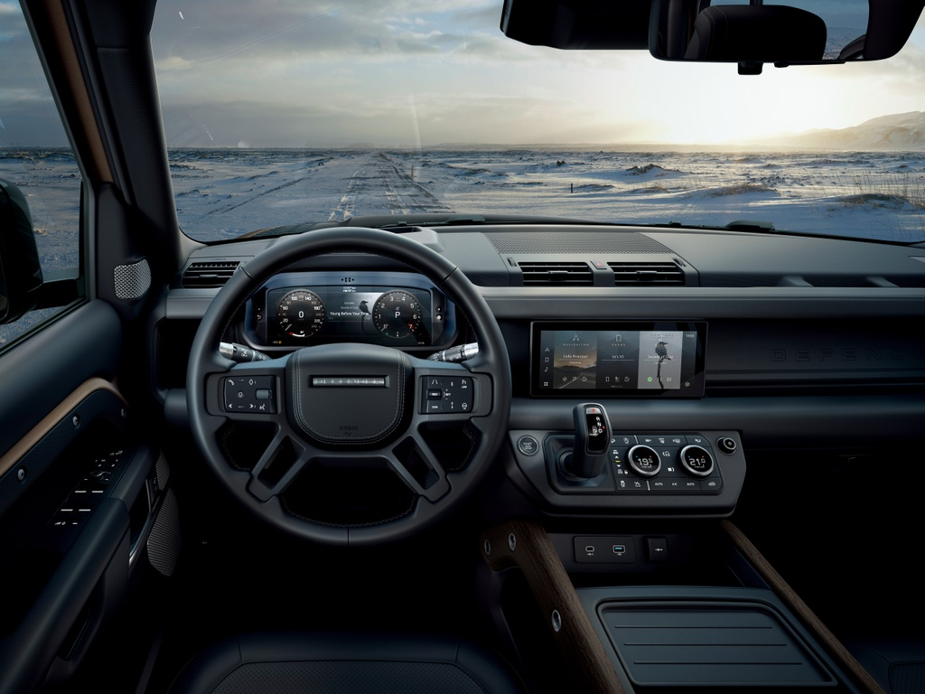 Land Rover Defender 2020 khoe cong nghe ket noi 2 smartphone cung luc hinh anh 8 LR_DEF_20MY_Interior_100919_01.jpg