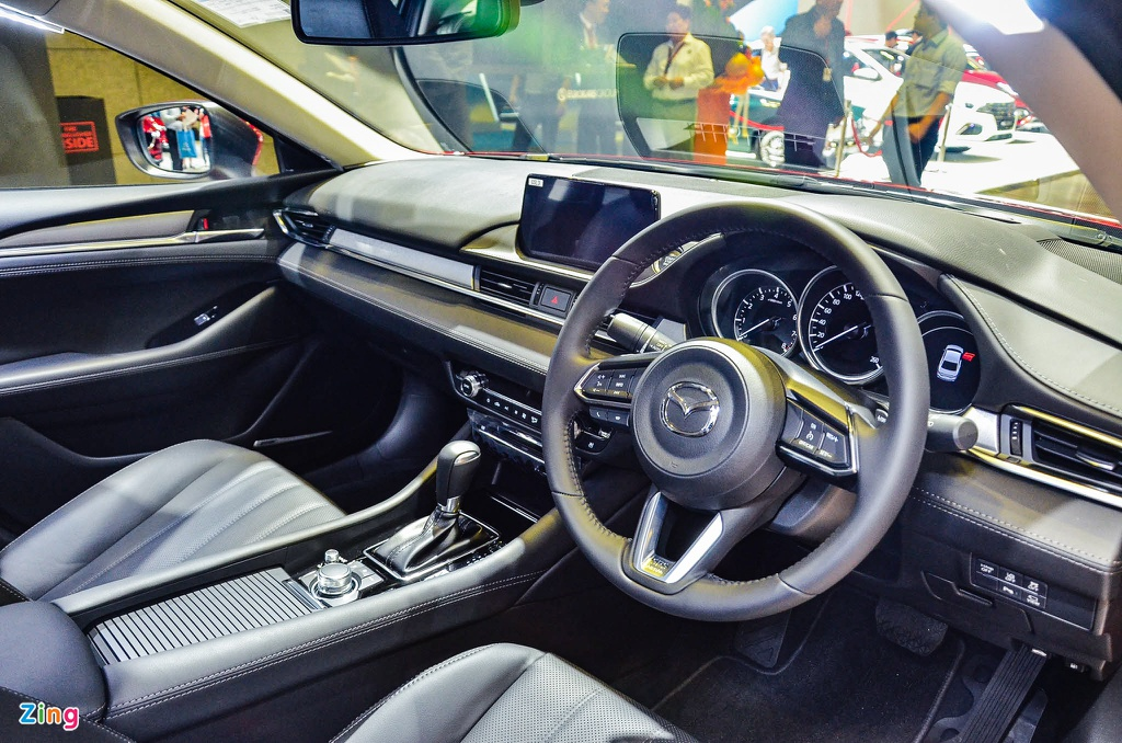 Can canh Mazda6 2020 - thiet ke nang cap nhe, nhieu kha nang ve VN hinh anh 7 Mazda6_2020_5_zing.jpg