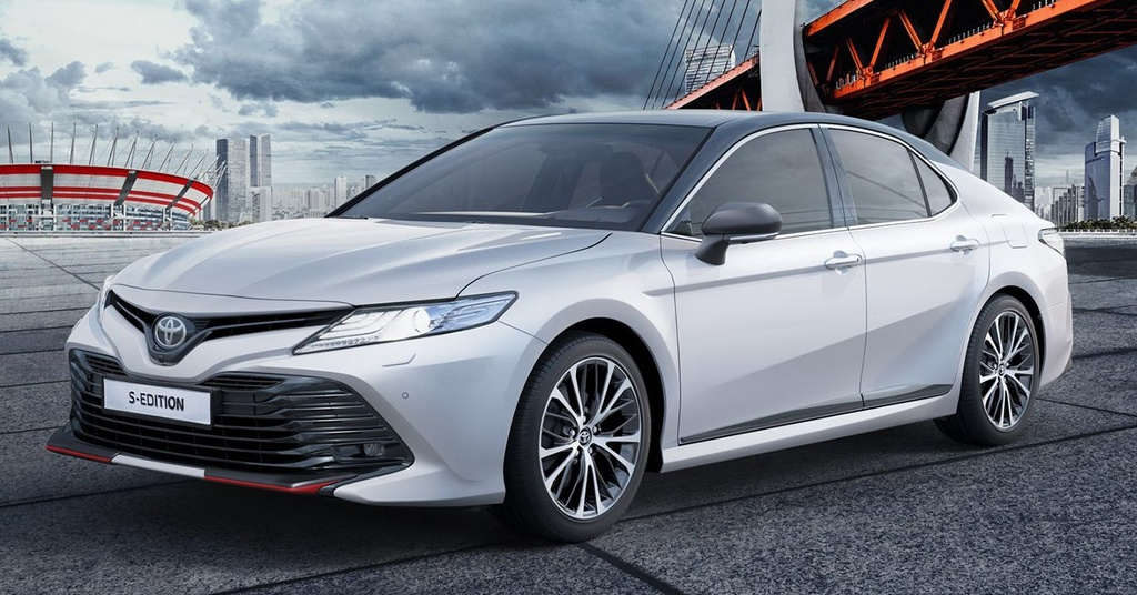 Toyota Camry S-Edition 2020 ra mat, thiet ke tao bao hon hinh anh 1 2020_Toyota_Camry_S_Edition_Russia_2_e1580956517970.jpg