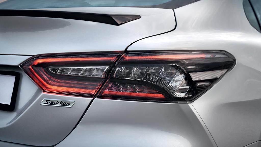 Toyota Camry S-Edition 2020 ra mat, thiet ke tao bao hon hinh anh 9 2020_Toyota_Camry_S_Edition_Russia_6.jpg