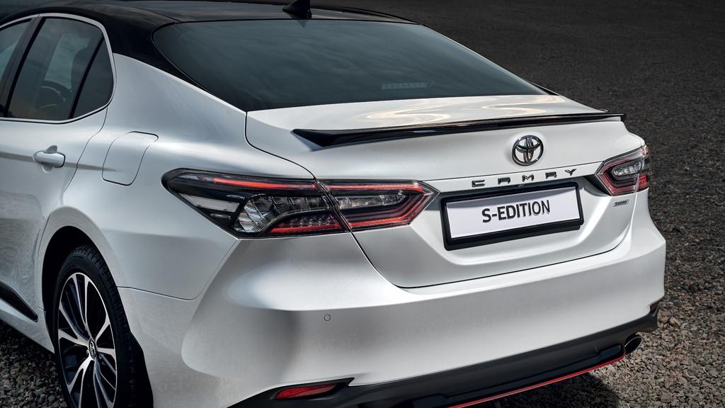 Toyota Camry S-Edition 2020 ra mat, thiet ke tao bao hon hinh anh 8 2020_Toyota_Camry_S_Edition_Russia_7.jpg