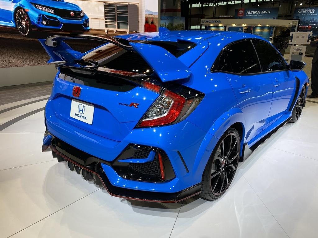 Xe the thao gia mem Honda Civic Type R facelift 2020 ra mat tai My hinh anh 4 2020_Honda_Civic_Type_R_1_1.jpg
