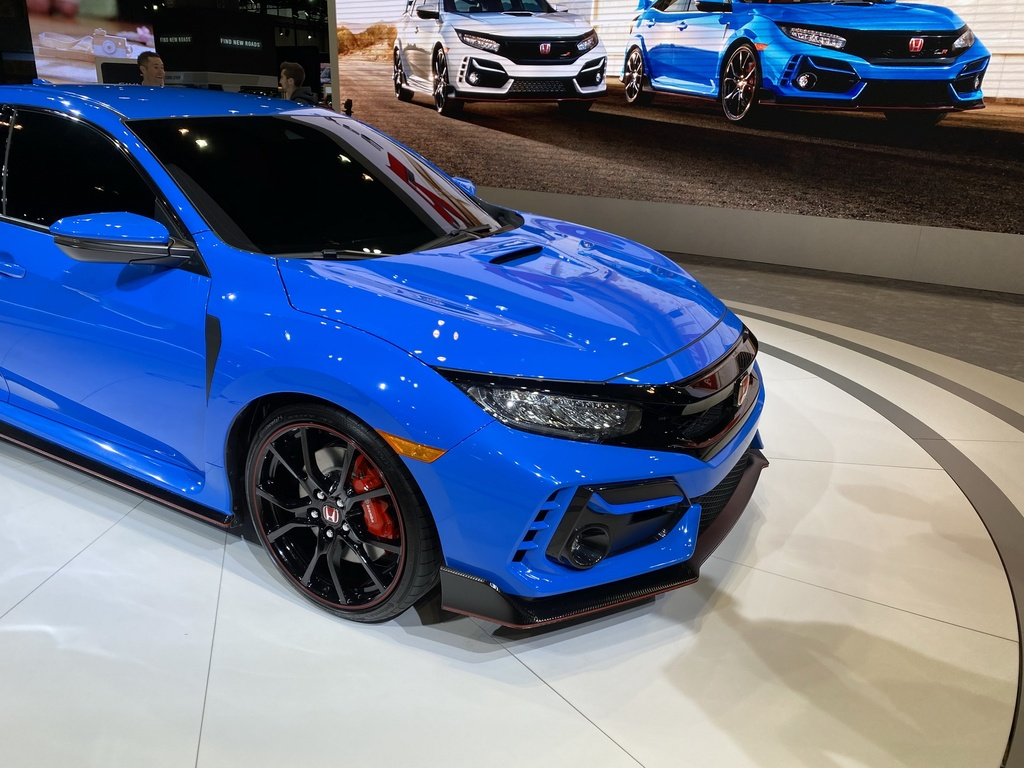 Xe the thao gia mem Honda Civic Type R facelift 2020 ra mat tai My hinh anh 3 2020_Honda_Civic_Type_R_3_1.jpg