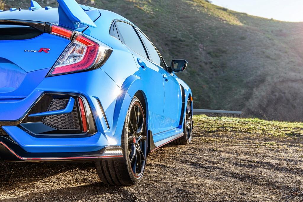 Xe the thao gia mem Honda Civic Type R facelift 2020 ra mat tai My hinh anh 5 2020_Honda_Civic_Type_R_3_1_.jpg