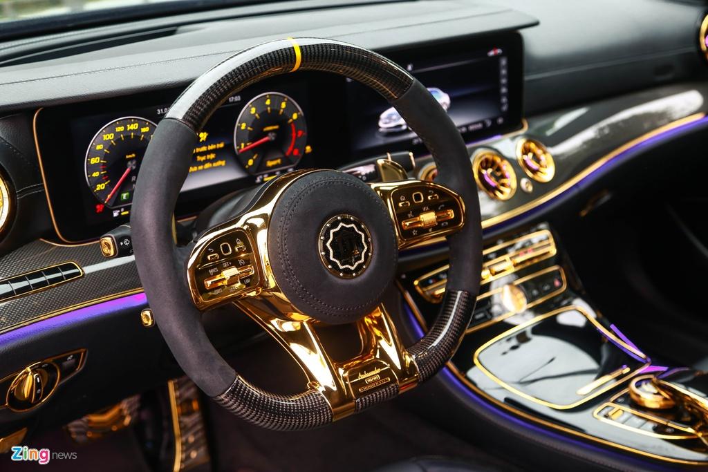 Mercedes-Benz E 300 AMG ma vang dinh kim cuong anh 12