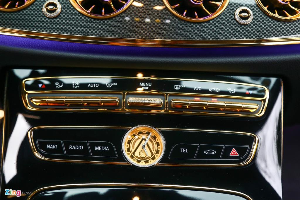 Mercedes-Benz E 300 AMG ma vang dinh kim cuong anh 13