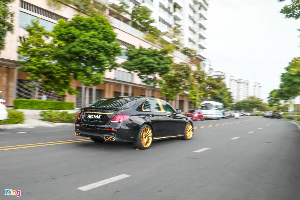 Mercedes-Benz E 300 AMG ma vang dinh kim cuong anh 3