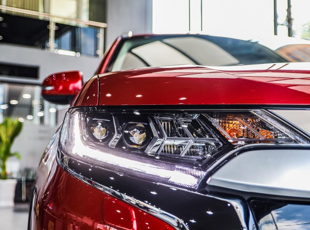 Mitsubishi Outlander 2020 ra mat VN - them tinh nang, gia tang nhe hinh anh 4 Outlander_2020_17.jpg