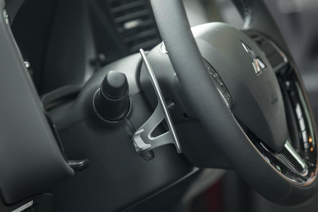 Mitsubishi Outlander 2020 ra mat VN - them tinh nang, gia tang nhe hinh anh 11 Outlander_2020_21.jpg
