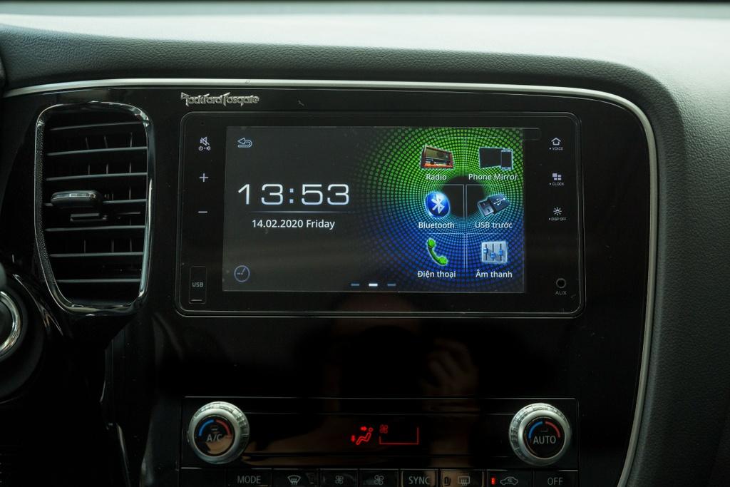 Mitsubishi Outlander 2020 ra mat VN - them tinh nang, gia tang nhe hinh anh 10 Outlander_2020_26.jpg