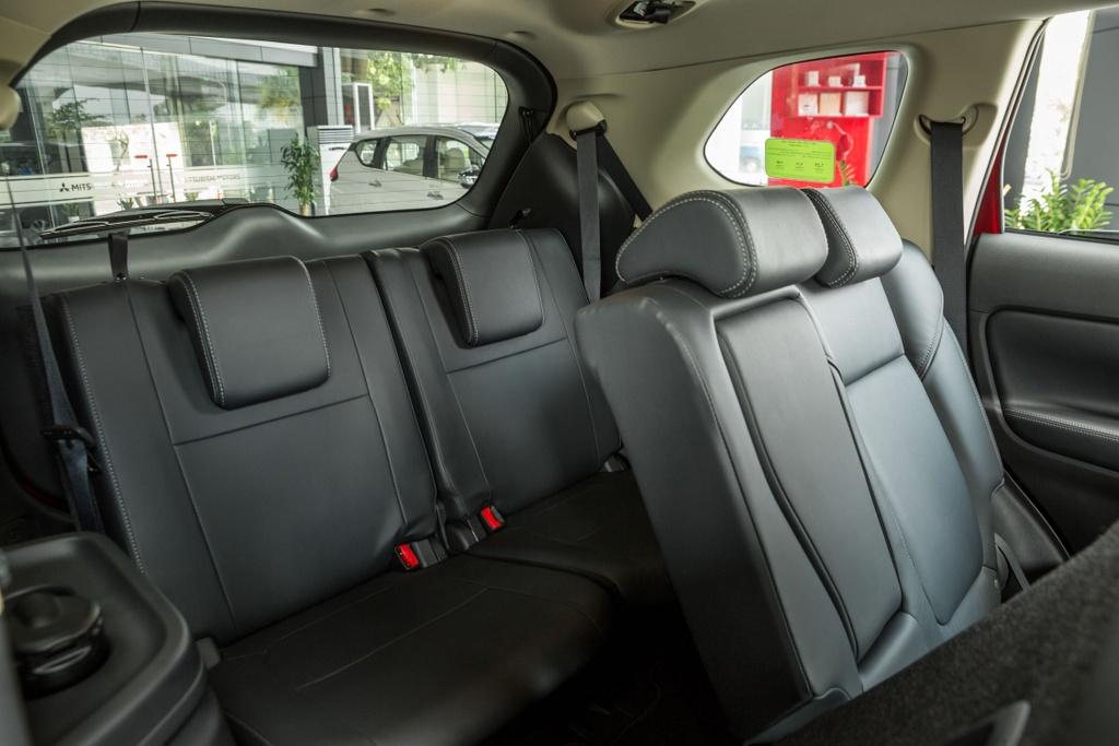 Mitsubishi Outlander 2020 ra mat VN - them tinh nang, gia tang nhe hinh anh 12 Outlander_2020_27.jpg