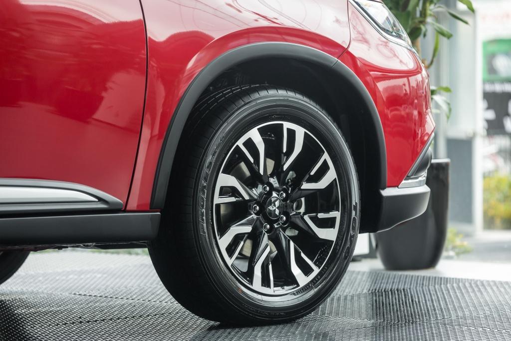 Mitsubishi Outlander 2020 ra mat VN - them tinh nang, gia tang nhe hinh anh 6 Outlander_2020_36.jpg