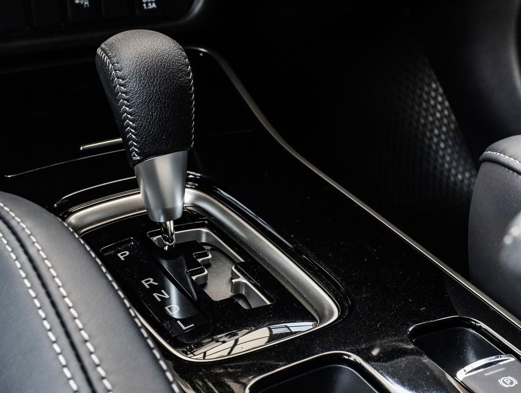 Mitsubishi Outlander 2020 ra mat VN - them tinh nang, gia tang nhe hinh anh 16 Outlander_2020_6.jpg