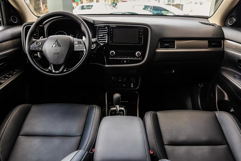 Mitsubishi Outlander 2020 ra mat VN - them tinh nang, gia tang nhe hinh anh 8 Outlander_2020_7.jpg